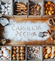 Carolija Peciva & Kafe