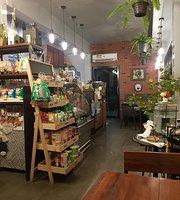 Le Arte Cratfs and Cafe