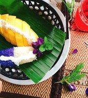 NamKhao Restaurant,Thai Cui