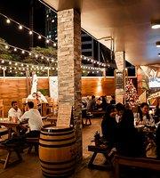 Urban Bar & Kitchen