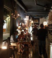 Guindilla Design & Bar