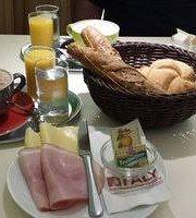 Faly Cafe, Backerei, Spezerei