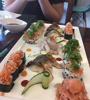 Mixtura Cevicheria & Sushi Bar