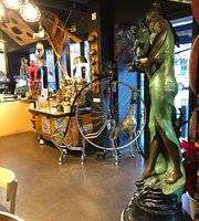 Rira Rae Cafe