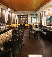 Hi5h lounge bar & restaurant