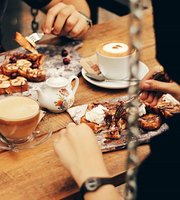 Cafe de La Vie