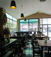 Vanilla Cafe & Brasserie