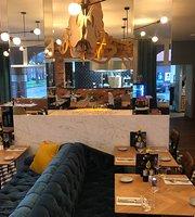 Grand Cafe Restaurant De Veestallen