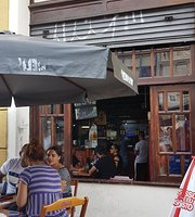 Largo's Bar