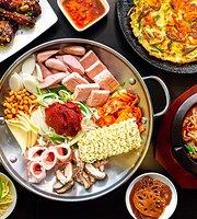 Yeogi Korean Restaurant & Bar