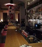 R10 Cocktail, Wine Bar & Diner