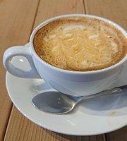 Utsuroi Cafe