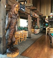 Wildlife Lounge
