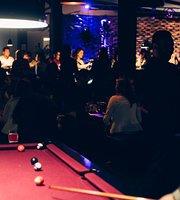 Rock'n Play Lounge Bar