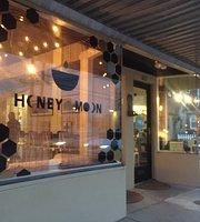 Honey Moon Coffee Cafe on Weinbach