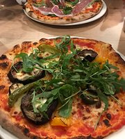 ‪The Tides Pizzeria‬