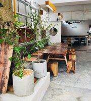 Cafe Le Condor
