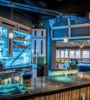 The Edge Lakeside Restaurant & Bar