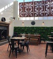 Akdeniz Bar Cafe Restaurant