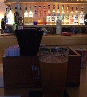 Queens Bar