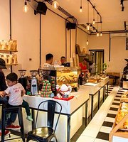Gau Coffee & Bakery