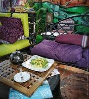 Green Queen Cafe