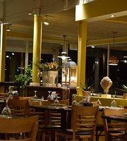 Coral Resto y Cafeteria- Parador con Vista al Mar