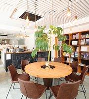 Ezo Cafe