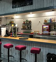 Pausa Cafe & Bistro