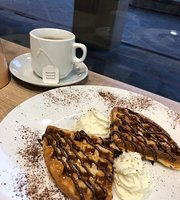 Amore's Cafe & Waffles