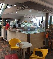 Ana & Victoria Cafeteria