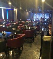 Groovz Bar & Resataurant