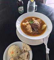 COCO's Restaurante & Piscina