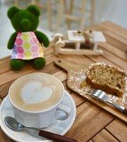 Hachikuma Cafe