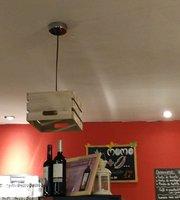 Momo Cafe, Copas y Algo Mas