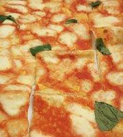 Pizzeria Adam's