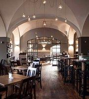 Die 10 Besten Restaurants In Der Nähe Von Haltestelle Laimer Platz