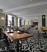 Cafe Nicole & Bar