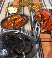 Mona Ikan Bakar & Makanan Laut