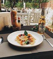 Tomato Coffee & Fastfood