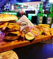 Huaw Bowling Bar