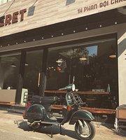 Le Beret Cafe