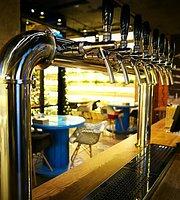 DJANGO Beer & Burgers