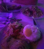 Seli Poeli Cafe & Restaurent