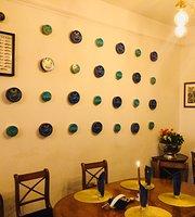 Caviar Artisan Cafe