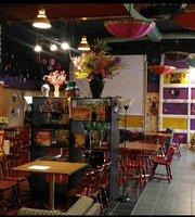 QQ Restaurant & Lounge