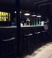 Hikka Pub