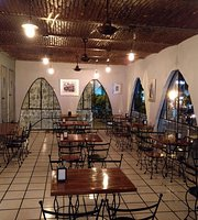 La Esklera al Cielo Drinks & Food