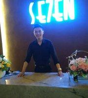 Se7en Bar and Lounge