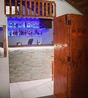 Hiddin Hut Bar & Grill